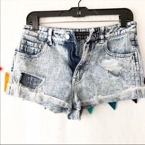 Kendall & Kylie Acid wash shorts